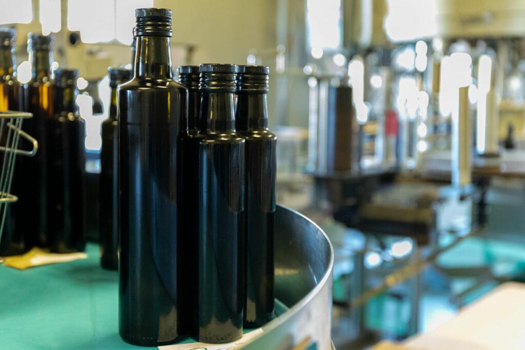 Produktion Steiraöl - Leerflaschen